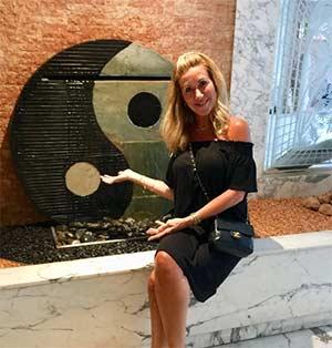 Dr Amanda Bowen Yoga Instructor